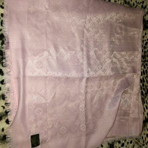 Authentic Louis Vuitton scarf pink 142 x 142 CM